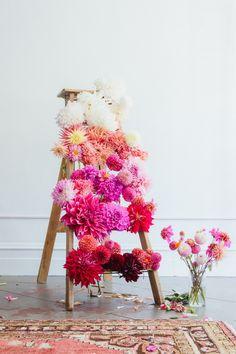 Die Dahlien-Saison inspiriert zu kleinen Kunstwerken. #tollwasblumenmachen