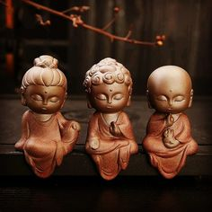 Black Qubd Little Buddha Figurines (set of Cute buddhist figurines made from clay pot and painted enamel. Choose brown or green. 3 creative buddha figures sit on your shelf and are great for helping inspire creativity. Art Buddha, Small Buddha Statue, Buddha Doodle, Buddha Decor, Tiny Buddha, Little Buddha, Buddha Buddhism, Colombe Tattoo, Budha Statue