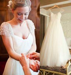 ชุดแต่งงานของเจ้าสาวจากเส้นด้ายไหล่กระเป๋าสะพายเรียบง่ายเป็นบางระดับ high-end ชุดแต่งงาน