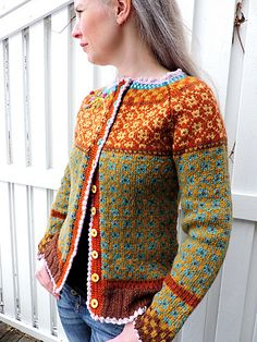Ravelry: Project Gallery for Wiolakofta pattern by Kristin Wiola Ødegård: Fair Isle Knitting, Free Knitting, Tejido Fair Isle, Fair Isle Pattern, Jacket Pattern, Knitting Designs, Pulls, Knitwear, Knit Crochet