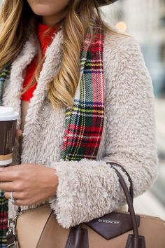 Cozy Coat with plaid scarf--Gal Meets Glam Outfits Otoño, Winter Outfits, Casual Outfits, Preppy Style, My Style, Winter Looks, Winter Style, Gal Meets Glam, Madame