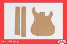 Wytnij z kartonu dwa prostokątne paski o wymiarach 3,8 cm x 40,65 cm. #dziecko #zabawka #homemade #bajdocja #diy #zróbtosam #gitara