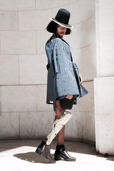 "Trendy Women's Outfits : caxmee: "" Mama Cax ""… Pretty Black Girls, Beautiful Black Women, Beautiful People, Dope Fashion, Black Girl Fashion, Dark Skin Models, Bionic Woman, Body Photography, Trendy Clothes For Women"