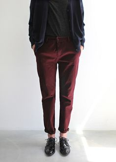 oxfords + rolled up pants + cardigan = want