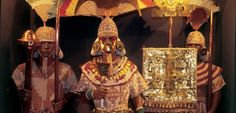 The jewelry of the Lord of Sipan, a Moche ruler from the most spectacular tomb uncovered in the Americas, illustrates the decorative uses of gold and metal working of the indigenous peoples of Peru. Trujillo Peru, Peruvian Art, Lima Peru, Inca, Lds Temples, What A Wonderful World, Gold, Europe, Tours
