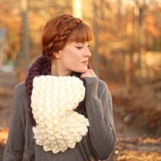 Free knitting pattern for this Jumbo Cowl. Great for beginners!