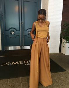 Swans Style is the top online fashion store for women. Shop sexy club dresses, jeans, shoes, bodysuits, skirts and more. Black Women Fashion, Girl Fashion, Fashion Outfits, Womens Fashion, Fashion Usa, Fashion Ideas, Cool Outfits, Summer Outfits, Estilo Indie