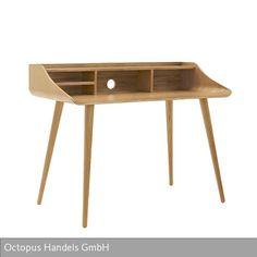 Auch in New York sind Möbelklassiker begehrte Sammelobjekte. So fanden wir einen tollen Sekretär der frühen 1960er Jahre. Flott geschwungen und komplett aus…