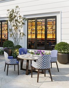 Defined by classical features and brimming with innovative detail, the Bolgheri Collection nestles restfully in lush greenery or under a blue sky. Designed to mirror nature, Bolgheri elegant outdoor furniture defines countryside comfort and pleasure. Outdoor Dining Chairs, Outdoor Tables, Modern Dining Chairs, Outdoor Decor, Luxury Furniture, Outdoor Furniture Sets, Wolf Furniture, Luxury Restaurant, Restaurant Design