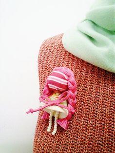 maramanufaktura / brošňa mini MARA ako vintage /ružová/