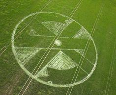 Pranksters make a Crass logo crop circle, oblivious 'astronomologer' attempts to interpret it | Dangerous Minds