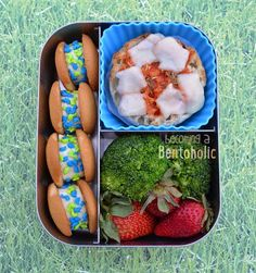 Happy Earth Day everyone! Take care of mother earth. Everyday we do our part by packing lunch in reusable bento. Non Sandwich Lunches, Lunch Snacks, Creative School Lunches, Cute Lunch Boxes, Kawaii Bento, Food Festival, Earth Day, Kids Meals, Homemade