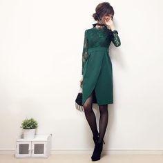・ お返事前に失礼します! 後ほどゆっくりお返事させて下さい☺︎ ・ ・ もうすぐクリスマスですね〜(´ω`)♪ ・ ホリデーシーズンに向けて ただいまドレスコーデを考え中。 ・ ・ グリーンのワンピースを着てみたので アップさせてください✨ ・ ・ 透け感のあるレース生地と スカートのデザインが大人なドレス♪ シルバー系アクセとブラック小物で シックな雰囲気にまとめてみました☺︎♪ ・ ・ ネックレス代わりに ハリ感のあるリボンを結んでチョーカーに。 ・ ・ 後ろでちょうちょ結びにして 長めにリボンを垂らすと バックスタイルも華やかになってオススメです! ・ ・ こちらのドレスは パーティドレス通販 cinderellaさんのもの☺︎♪ @partydress_cinderella ・ グリーンの他に ブラック・レッドの3色展開です♡(品番:la311) http://www.rakuten.ne.jp/gold/cinderella323/ ・ 「パーティードレスシンデレラ」でweb検索すると、ショップページが出てきます☺︎♪ ・ 続いて 今日のコーデもアップ...