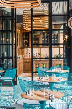 HIGH END RESTAURANTS IDEAS | Luxury Restaurant Interior Design inspirations and ideas with modern decoration and original details. In case you are looking for interior design trends regarding restaurants or bars decoration - or maybe you are just a restaurant lover or design lover - click on the photo to read an article about the best interior designs inspired in luxury restaurants | www.bocadolobo.com #bocadolobo #luxuryfurniture #exclusivedesign #interiordesign #designideas…