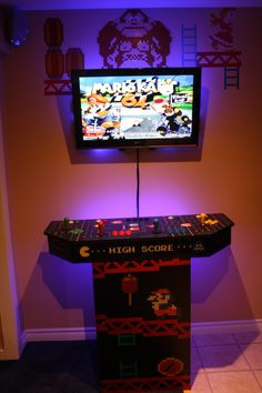 Video game room decoration ideas you must see to know Diy Deco Rangement, Games Online, Mame Cabinet, Diy Arcade Cabinet, Bartop Arcade, Arcade Room, Retro Arcade, Pi Arcade, Raspberry Pi Projects
