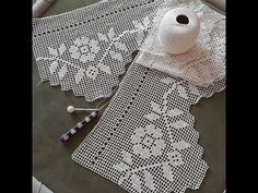 How to Filet Crochet A Curtain Panel or a Bedspread Part 1 - YouTube Lace Window, Crochet Curtains, Filet Crochet, Bed Spreads, Panel Curtains, Dressing, Youtube, Tricot, Cortinas Crochet