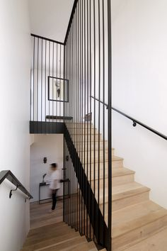 Teresa Xu designs San Diego Residence interiors for well-travelled client - Dr Wong - Emporium of Tings. Metal Stair Railing, Stair Handrail, Staircase Railings, Stairways, Stair Rods, Bannister, Railing Design, Staircase Design, Modern Stairs