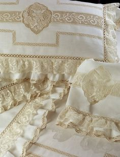 Beautiful ~ Cream lace on white~❥Looks like an Italian lace technique on these.