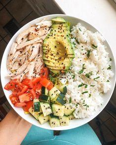 Keto Broccoli Salad Ingredients kosher salt 3 heads broccoli, cut into bite-size. - Keto Broccoli Salad Ingredients kosher salt 3 heads broccoli, cut into bite-size pieces c. Healthy Dinner Recipes For Weight Loss, Healthy Eating Recipes, Healthy Meal Prep, Healthy Snacks, Meal Recipes, Keto Meal, Paleo Diet, Clean Eating Salads, Clean Eating Recipes For Dinner