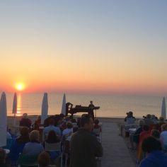 """Living Ravenna: Concerto all'alba a Casal Borsetti (RA) per il festival """"Donne verso il Mare Aperto"""""""