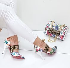 These shoes or boots are up-to-date, happy, and the perfect addition to any outfit! Cute and trendy shoes for people on our online store! Pretty Shoes, Beautiful Shoes, Shoe Boots, Shoes Heels, Shoe Bag, Asos Shoes, Nike Shoes, Sneakers Fashion, Fashion Shoes