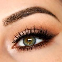 When the beauty of hazel eyes is underestimated we rush in. That is the case with our today's survey. Have a look at what we have to embrace the beauty! #makeup #makeuplover #makeupjunkie #hazeleyes