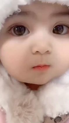 Cute Little Baby Girl, Cute Baby Girl Pictures, Baby Girl Images, Cute Baby Dolls, Cute Funny Baby Videos, Cute Funny Babies, Baby Love Quotes, Funny Baby Quotes, Reborn Babypuppen