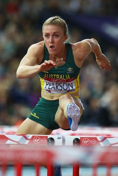 - athletic woman - Sally Pearson of Australia competes in the Women's 100 metres hurdles finalat Hampden Park during day nine of the Glasgow 2014 Commonwealth Games on August 2014 in Glasgow, United Kingdom. Athletic Models, Athletic Women, Sydney Mclaughlin, Adonis Belt, Girl Anatomy, Hampden Park, Pole Vault, Long Jump, Racing Events