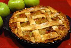 Apple pie (ricetta americana) - Si tratta di una tipica #ricetta anglosassone. Per alcuni versi presenta delle analogie con la #torta di #mele e con lo #strudel di mele. Quella che segue è una ricetta di base: http://blog.giallozafferano.it/laraccoltadiricette/apple-pie-ricetta-americana/
