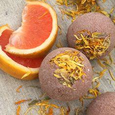 Bombe de bain par sdamouretdeaufraiche Grapefruit, Orange, Etsy, Food, Bath Bomb, Baking Soda, Handmade Gifts, Essen, Meals