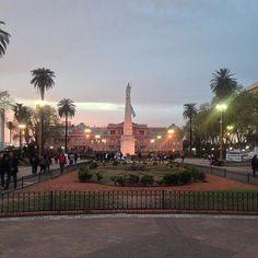 La plaza de la Historia Argentina la más antigua de Buenos Aires #PlazadeMayo #casarosada #buenosaires #bsas #historia #cultura #turismo #igersbsas #BA #miciudad #capital #federal