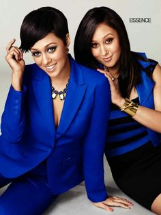 TIA AND TAMARA MOWRY - America's favorite twins grew up as Army brats in Germany, where they were raised by their white father and Black mother. Beautiful Black Women, Beautiful People, Beautiful Ladies, Beautiful Family, Beautiful Children, Tia And Tamera Mowry, Celebrity Siblings, Essence Magazine, Black Celebrities