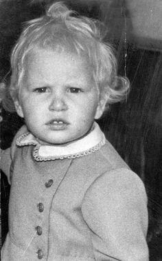 Принцесса Анна. В 1971г была названа спортсменкой года, по версии ВВС.
