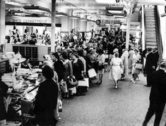 Friday night shopping - this was the queue for pairs of stockings in June 1964 Cardiff Wales, Cardiff City, Old Photos, Vintage Photos, Uk History, Cymru, Department Store, South Wales, Welsh