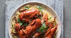 Lobster pasta with a white cream sauce by Greek chef Akis Petretzikis. A super delicious pasta dish with lobster and aromatics in a delicious white cream sauce! White Cream Sauce, Lobster Pasta, Pasta Dishes, Japchae, Shrimp, Seafood, Meat, Cooking, Ethnic Recipes