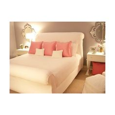 Feng Shui bedroom colors, The Chinese believe that the energy emitted out of the surrounding objects like bedroom furniture affect one's mood. Feng shui bedroom colors will help provide the best mood Bedroom Retreat, Dream Bedroom, Home Bedroom, Bedroom Furniture, Bedroom Decor, Brown Furniture, Bedroom Ideas, Master Bedroom, Bedroom Designs