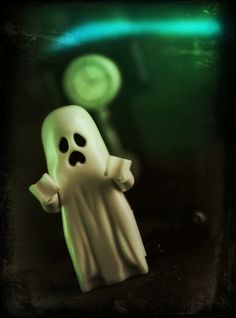 Lego Monster Fighters - Ghost by Ed Speir IV