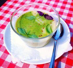 Dwukolorowa zupa krem z cukinii :)/ duo-color creamy zuccini soup