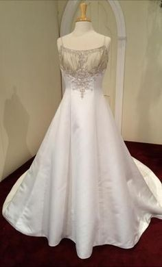 Eve of Milady ML687 12: buy this dress for a fraction of the salon price on PreOwnedWeddingDresses.com