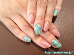 Nail was to tie the wind blue and yellow and green