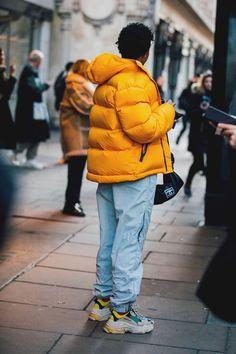 London Fashion Week Men's Street Style London Mens' Fashion Week Street Style 2018 Mens Dressing Styles Casual, Style Casual, Swag Style, Men's Style, London Fashion Weeks, London Fashion Week Mens, Streetwear Mode, Streetwear Fashion, Sport Style