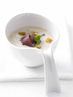 Maronensuppe mit geräuchter Ente, oder mit gebratenen Schinken Dattelspießchen :o)
