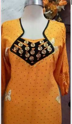 خياطة نسائية – Communauté – Google+ Chudidhar Designs, Chudidhar Neck Designs, Neck Designs For Suits, Neckline Designs, Dress Neck Designs, Salwar Neck Patterns, Salwar Neck Designs, Saree Blouse Neck Designs, Dress Patterns