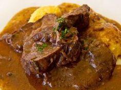 Brasato al Barolo (Beef Braised in Barolo Recipe) Beef Pot Roast, Braised Beef, Sweet Pork Recipe, Burmese Food, Beef Bourguignon, Best Italian Recipes, Slow Food, Pork Recipes, Stew
