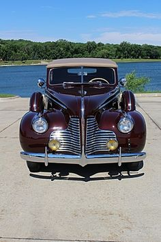 1940 Buick Special | authorbryanblake.blogspot.com General Motors Cars, Car Hood Ornaments, Buick Cars, Unique Cars, Ford Models, Grills, Amazing Cars, Old Cars, Exotic Cars