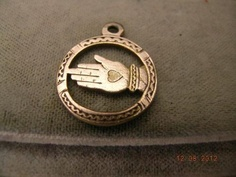 Antique Victorian 18mm 9ct Rose Gold Shakers/Charity Hand Heart Fob Charm c1890s