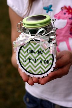 A DIY project to thank someone special in your life/ Image via Happymoneysaver.com #thankyougifts