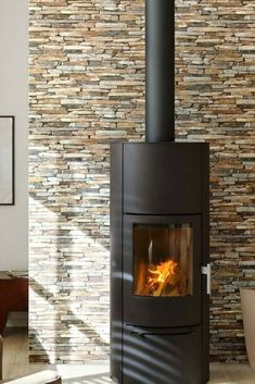 Create a striking feature wall with this realistic natural stone wallpaper. This effective décor can be used by an open fire, but also around a coa. Rustic Wallpaper, Stone Wallpaper, Wallpaper Wallpapers, Interior And Exterior, Interior Design, Brick Texture, Style Rustique, Open Fires, Conservatory