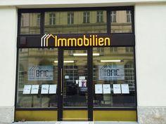 KENNEN SIE DEN WERT IHRER IMMOBILIE?   Wir sagen es Ihnen - natürlich kostenlos und unverbindlich!  Unser Gutachter ermittelt, was Ihre Immobilie derzeit wert ist.  WIR WISSEN IHRE IMMOBILIE ZU SCHÄTZEN!   Wir sind seit 1990 in den Immobilienmärkten Berlin und München heimisch. Im Sommer 2014 haben wir ein Ladengeschäft in Berlin Mitte eröffnet.