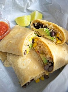 Vegan Burritos with Lime Quinoa By the 20 Minute Kitchen 2 Veggie Recipes, Mexican Food Recipes, Whole Food Recipes, Yummy Recipes, Recipies, Healthy Recipes, Vegan Vegetarian, Vegetarian Recipes, Vegan Food